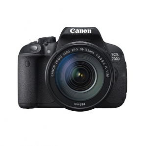 CANON DSLR  EOS 700D Kit